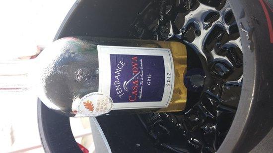 Rainbow Cafe: good wine