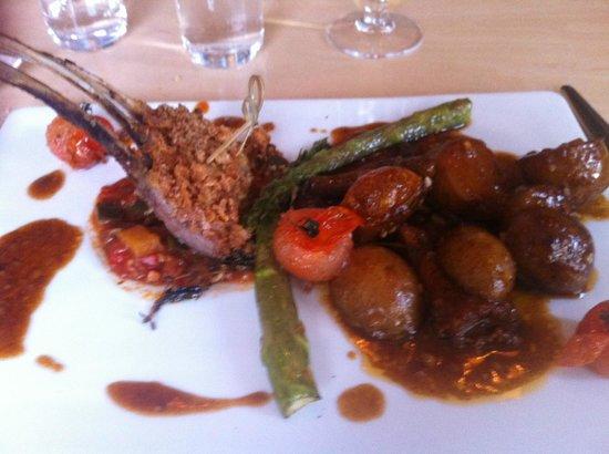 Fjalakotturinn : agneau pomme de terre confites et girolles
