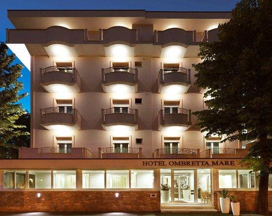 Hotel Ombretta Mare: Fronte Hotel
