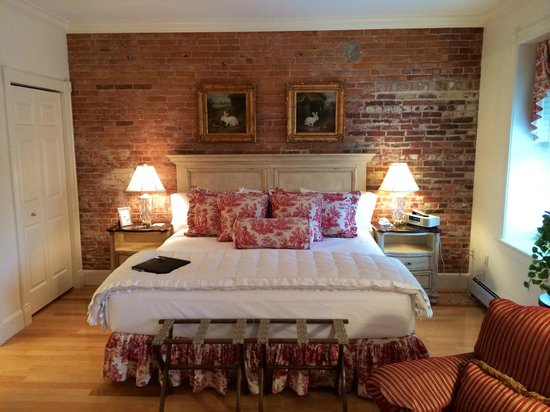 Belfast Bay Inn: Suite 202