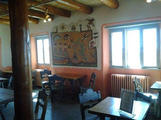 Painted Desert Inn : restaurant area.