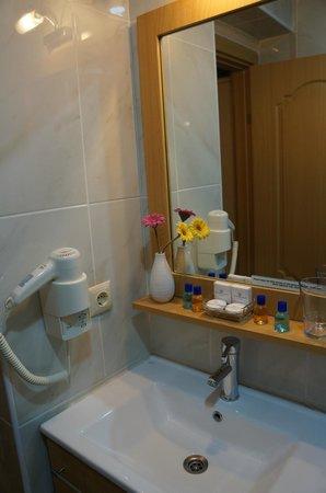 Sultans Royal Hotel: ванная