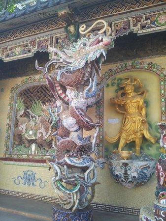 My Dream Hotel: Пагода Линь Фуок