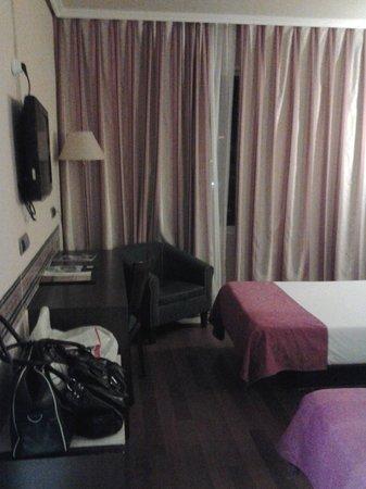 Hotel Imperial Tarraco : Habitación