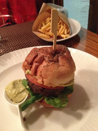 La Cloche d'Or : French hamburger.