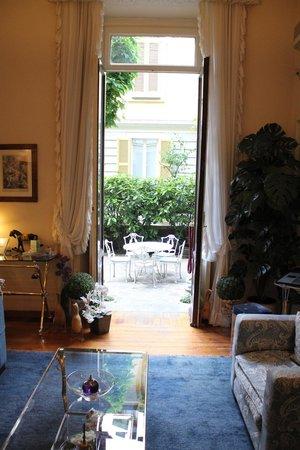 Antica Locanda Leonardo: Le salon de l'accueil.