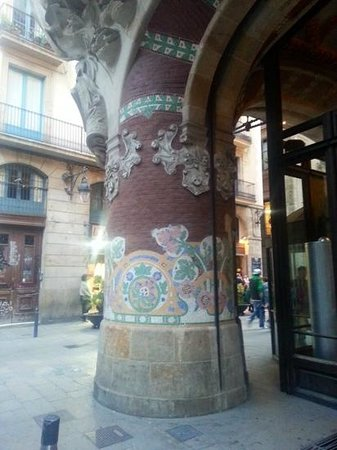 Palais de la Musique Catalane (Palau de la Musica Catalana) : exterior