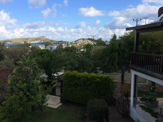 Sandima 37 Hotel Bodrum: Side view from balcony of room
