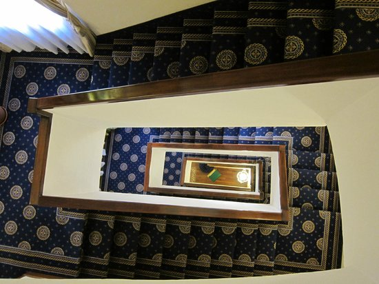 La Residenza: Staircase