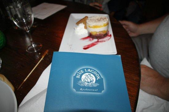 Blue Lagoon Restaurant - Disneyland Paris : Délice a la mangue et pain d epice