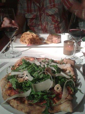 D licieuse pizzeria tout les produits sont frais et a se go te ici pizza carpaccio avec tartu - I giardini di bacco ...