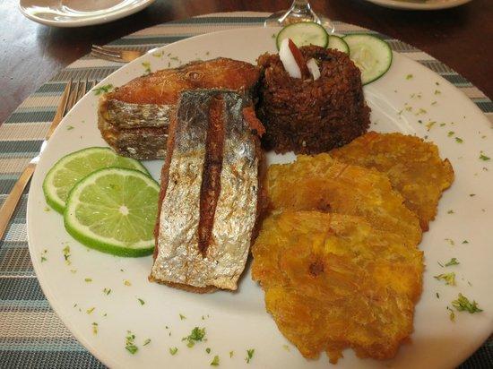Hotel Sport Baru: délicieux poisson, pêché dans les environs