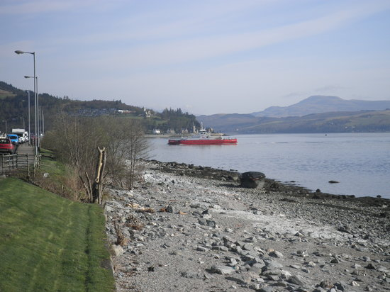 Douglas Park Guest House: We are half a mile from the Western ferry