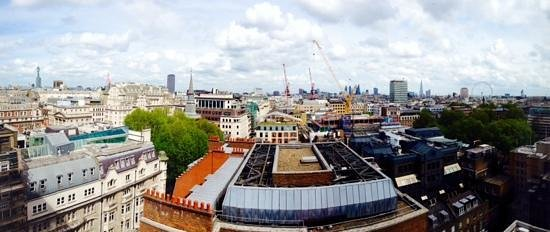 The Cavendish London : panoramic view of London landmarks from room