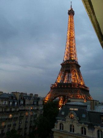 Pullman Paris Tour Eiffel : Who put that there?