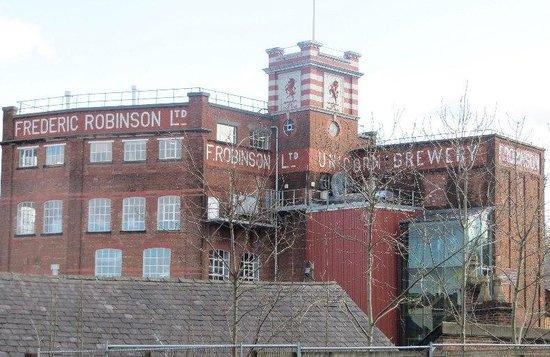 Stockport Metropolitan Borough Council, Town Hall: Robinsons Brewery