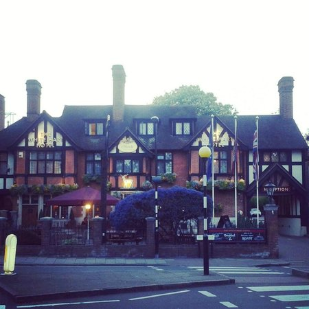 The White Hart hotel, beautiful