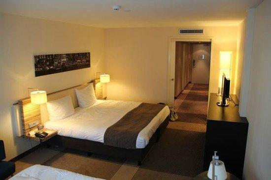 Mövenpick Hotel Amsterdam City Centre : La chambre 315