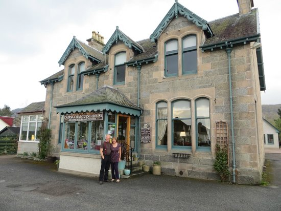 Cairngorm Guest House: Cairngorm Guesthouse with hosts Peter and Gail