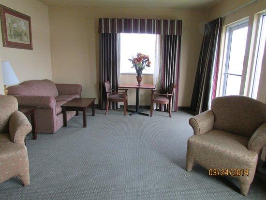 Comfort Suites : living area of king suite