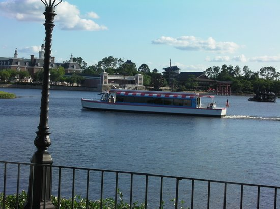 Disney's Port Orleans Resort - French Quarter: water taxi