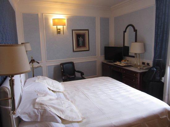 Hotel Montebello Splendid: bed