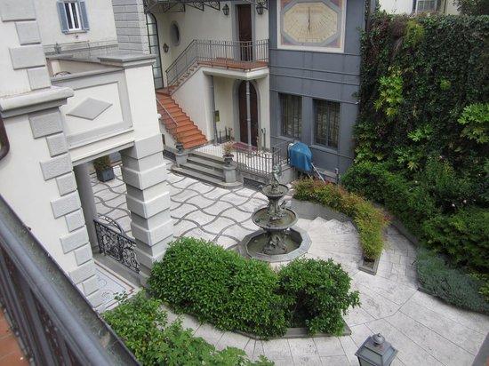 Hotel Montebello Splendid : view from patio