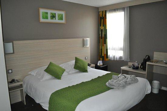 Comfort Hotel Chelles Marne-La-Vallee: Chambre communicante (partie parents)