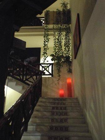Hotel Riviera del Sol: Staircase