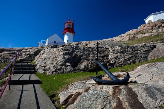 Lindesnes Fyr: The Lighthouse is located on the most southern part of the country - tunliweb.no