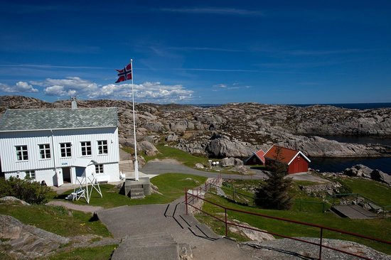 Lindesnes Fyr: Lindesnes Lighthouse is a well-preserved and interesting cultural attraction -tunliweb.no