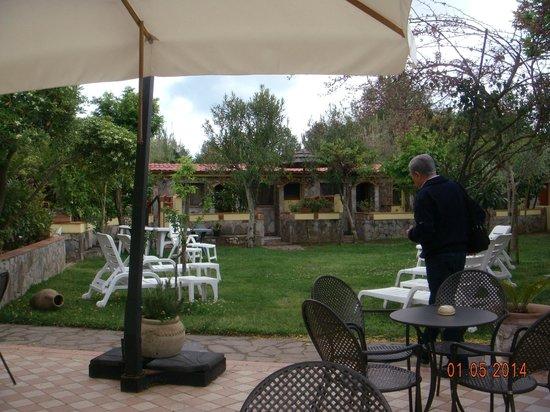 Hotel Village Tabu': giardino