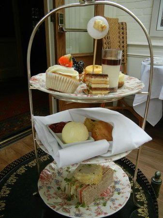 The Montague on The Gardens: My tea tray!