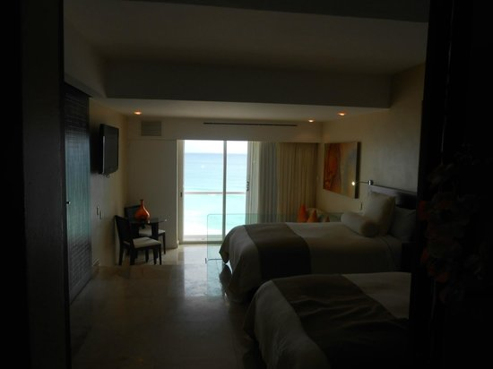 Sunset Royal Cancun Resort: Apartamento