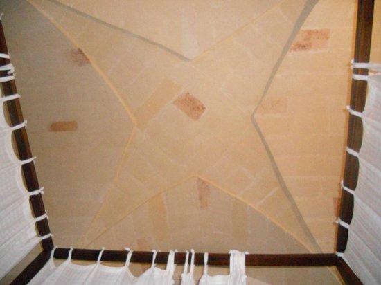 Stelle del Salento: soffitto a volta della camera matrimoniale