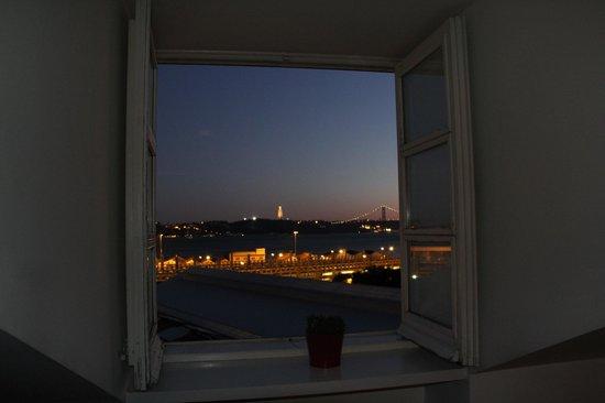 Ribeira Tejo by Shiadu: Vista dalla camera delle colazioni.