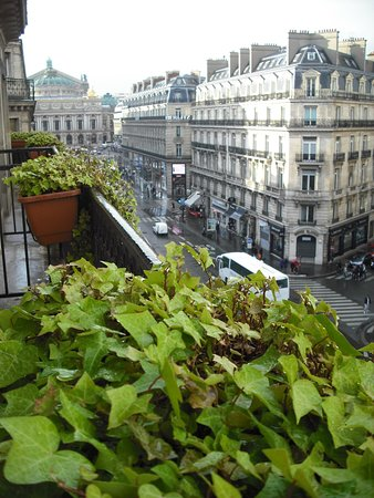 Hotel Edouard 7: 505 balcony with view of Opera Garnier