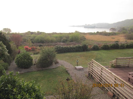Isle of Mull Hotel & Spa: view of gardens from lounge bar