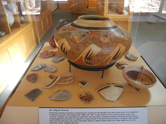 Museum of Northern Arizona: Pottery display
