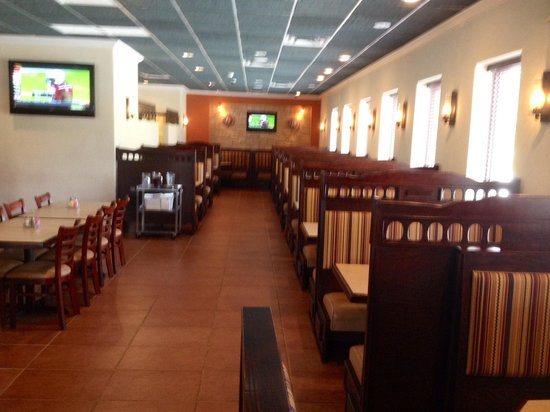 Plaza Mariachi Southport : Big booths