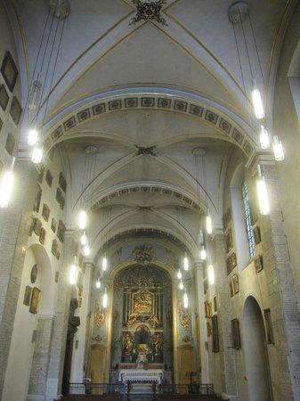 Basilique Notre Dame de Fourviere: Interior