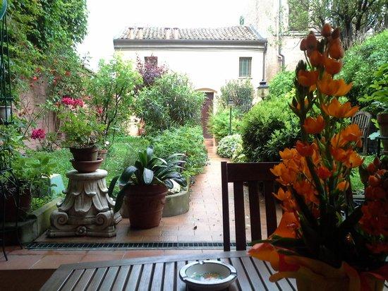 Il Giardino Fiorito: giardino