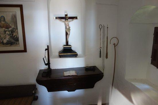 Las Ermitas de Cordoba: Flagellum in a hermit dwelling