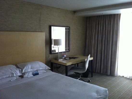 Hilton Fort Lauderdale Marina: Bed