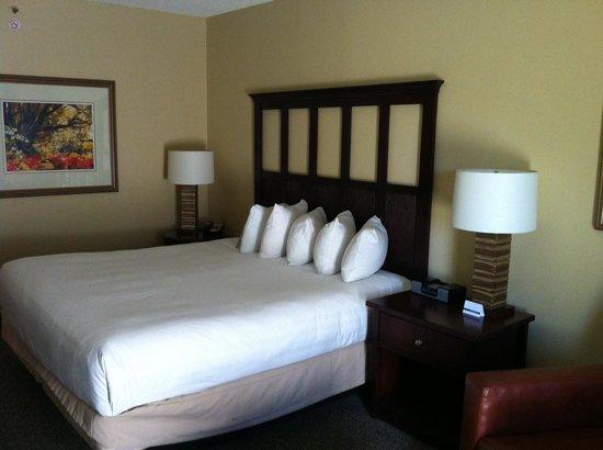 Hyatt Regency Savannah : Bed