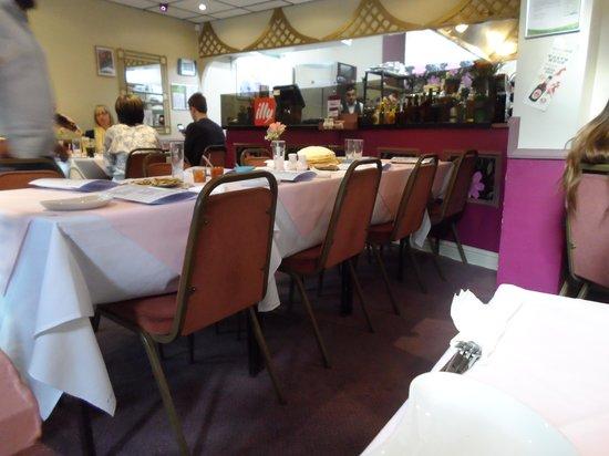 Raja's Restaurant: Interior