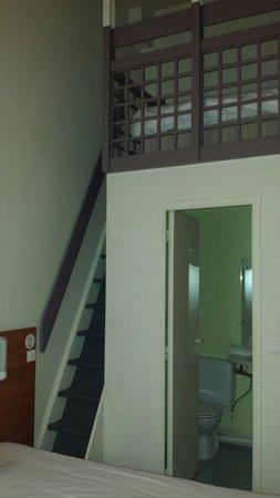 chambre 3 personnes avec mezzanine - Photo de B&B Hotel Brest ...