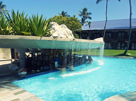Grand Mercure Summerville Resort: Bar na piscina