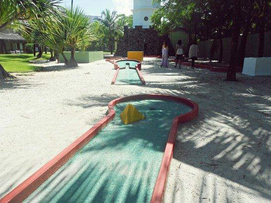 Summerville Beach Resort: Campinho de golfe