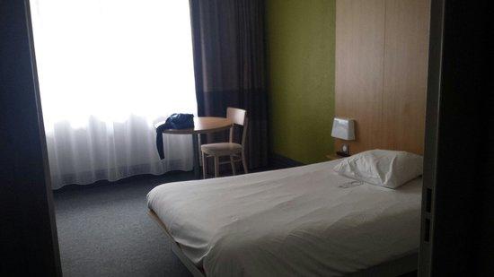 B&B Hotel Quimper Sud Bénodet : chambre très spacieuse